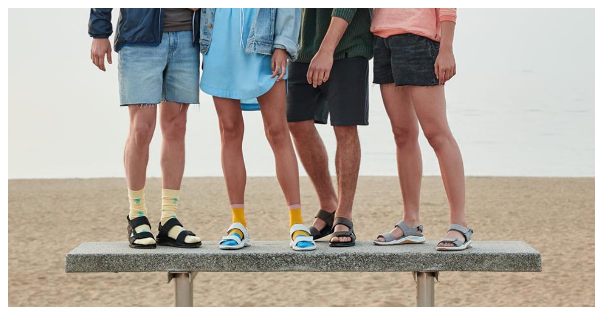 襪子配涼鞋才是時尚!今夏跟著穿上「輕量」運動涼鞋潮一下